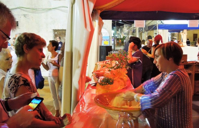 The Cous Cous Fest becomes social. That started from the registrations to participate in the