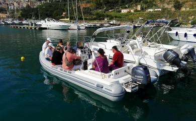 Escursione in gommone o barca alla Riserva dello Zingaro