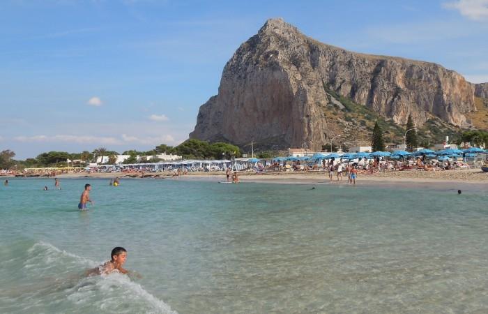 Bandiera Verde 2019 a  San Vito Lo Capo, per la sua spiaggia a misura di bambino.
