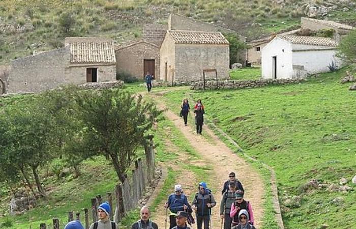 Trekking ad anello nella Riserva  Naturale dello Zingaro